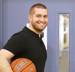 Cascade Coach with ball
